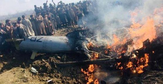 Pakistan: İki Hint uçağını düşürdük