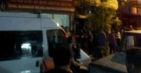 SDP İzmir İl Örgütü binasına polis baskını
