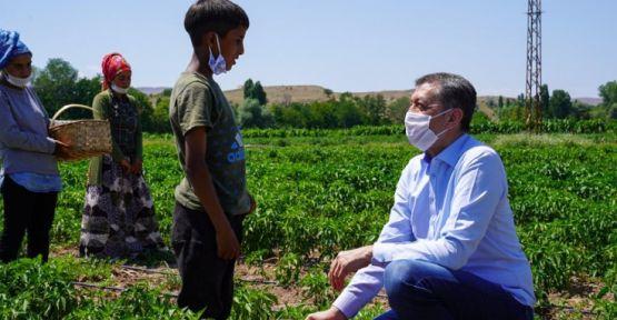 Selçuk'a çocuk işçi tepkisi: Yoksa çocuklar artık tarım bakanlığının sorunu mu?