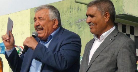 Selim Sadak, mitingdeki konuşması nedeniyle gözaltına alındı