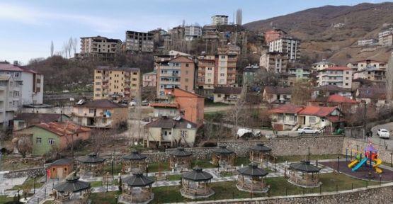 Şemdinli Belediyesi tedbir amaçlı parkları kullanıma kapattı