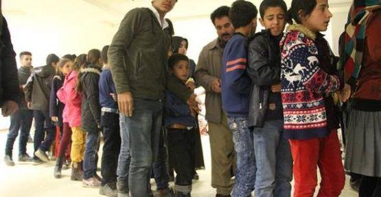 Şemdinli'de 176 öğrenci hastaneye kaldırıldı