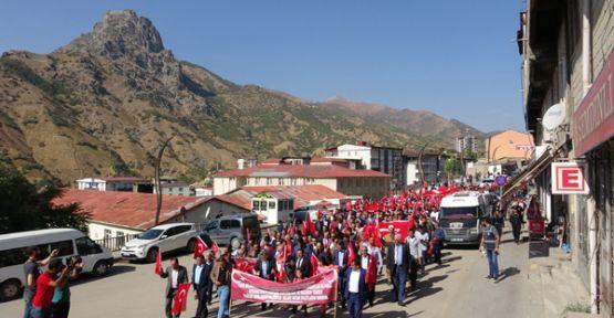 Şemdinli'de, 'Barış Pınarı Harekatı'na destek yürüyüşü