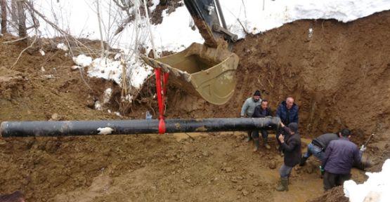 Şemdinli'de su arıza giderme çalışmaları devam ediyor