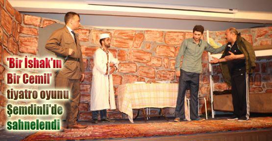 Şemdinli'de tiyatro gösterimi