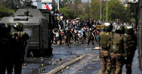 Şili protestolarında sekiz kişi öldü, 1400'den fazla kişi gözaltında
