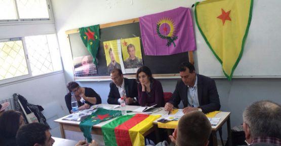 Şoreşa jinê ya li Rojava di rojeva Forûma Civakî ya Cîhanê de ye