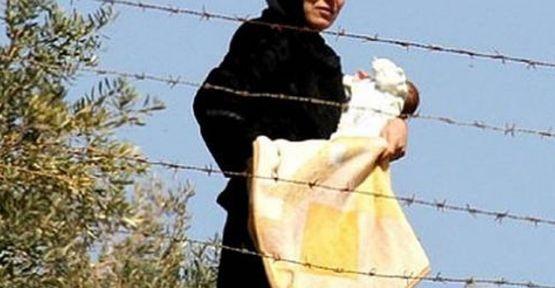 Suruç'taki Kobanili çocukların bebek maması tükendi