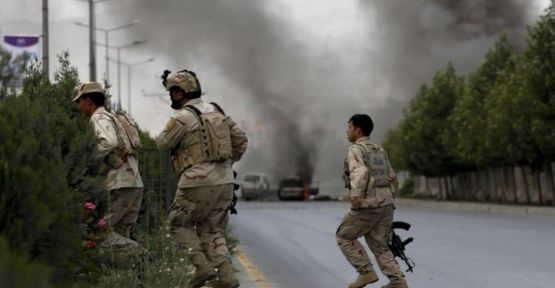 Taliban saldırısı 100'ün üzerinde asker hayatını kaybetti