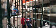 24 havalimanı işçisi tutuklandı