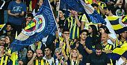 Fenerbahçe'nin bağış gecesinde bir Galatasaraylı,...