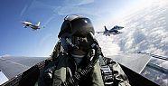 Hava Kuvvetleri'nde büyük operasyon