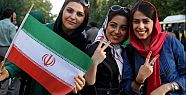 İranlı kadınların futbol heyecanı kısa...