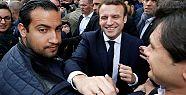 Macron'un eylemci döven koruması kovuldu