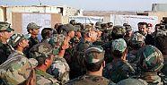 Beşar Esad İdlib'de askerleri ziyaret...