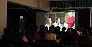 Şemdinli'de öğrencilere film izleme etkinliği...