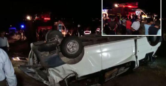 Van'da göçmenleri taşıyan minibüs devrildi: 35 yaralı