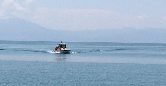 Van'daki faciada hedef, tekneyi sığ suya çekmek