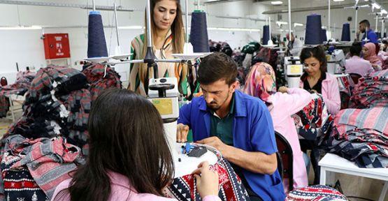 Van'daki tekstil firmasından Avrupa'ya ilk kazak ihracatı