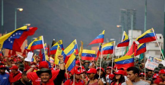 Venezuela'da 250 bin kişi sığınma talep etti