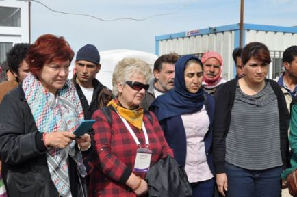 Wekîla Syriza: Têkoşîna jinên Kurd bû mînak
