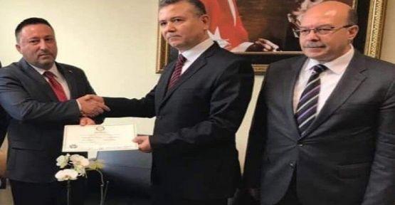 YSK mazbatayı AK Partili adaya verdi!