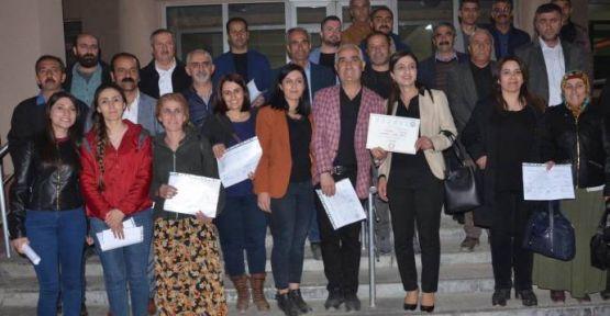 Yüksekova Belediye Eşbaşkanları mazbatalarını aldı