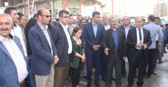 Yüksekova'da HDP aracına silahlı saldırı
