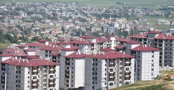 Yüksekova'da TOKİ konutları için kura çekimi