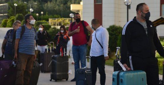 Yurtdışından 186 kişi getirildi