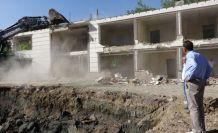 Şemdinli Belediyesi 34 Yıllık Hizmet Binasını Yıktı