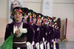 Şemdinli'de halk oyunları yarışması