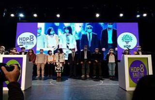 HDP 8. yaşını kutladı