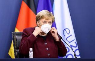 Merkel'den salgın uyarısı: Aile dışı teması...