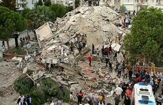 İzmir'de can kaybı 91'e yükseldi