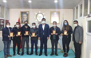 AK Parti İlçe Başkanı Fahri Şakar, Gazetecilerle...