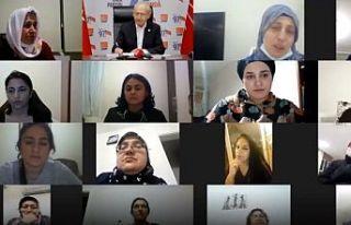 Kılıçdaroğlu, ev emekçisi kadınlarla bir araya...
