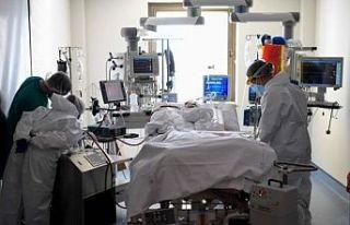 Korona virüsü salgını: Türkiye'de 373 kişi...