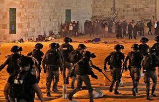 Mescid-i Aksa gerilimi sürüyor: En az 90 Filistinli...