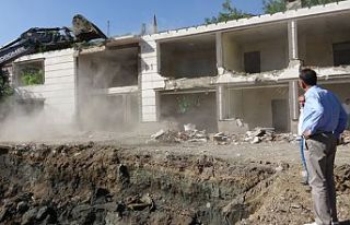 Şemdinli Belediyesi 34 Yıllık Hizmet Binasını...