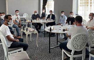 Diyarbakır'da toplantı: Aşı olmayanlar düğüne...