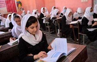 Taliban: Kız öğrencilerin okula dönmesine en kısa...