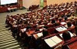 AK Parti'den teklif: Üniversiteler yazın eğitim...