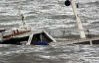 Akdeniz'de göçmen faciası, 300 kişi kayıp
