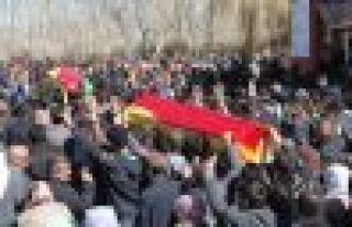 Akti ve Altındaş'ı Van'da on bin kişi uğurladı