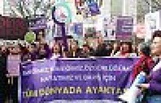 Ankara'da yüzlerce kadın yürüdü: 'İsyanımız...