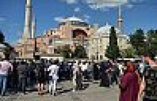 Ayasofya'nın açılışına HDP, TİP ve DBP'ye davetiye...