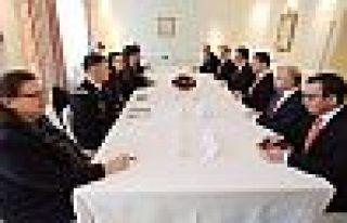Barzani ve ABD Savunma Bakanı Esper'den üç gündemli...