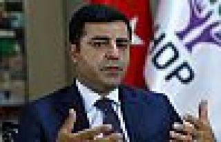 'Demirtaş 7 gündür mahkeme kararı olmadan tutuklu'