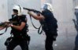 Gazi Mahallesi'nde 14 yaşındaki çocuk gaz bombasıyla...